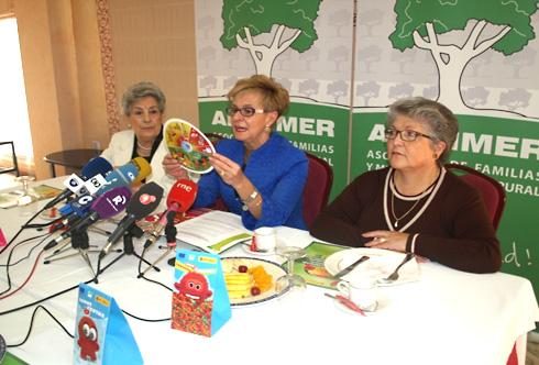 """La presidenta de AFAMMER hace balance del Proyecto Piloto """"Innovación y Desarrollo para la Comercialización de Frutas de Campaña entre la Población Infantil y Juvenil"""""""